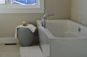 Green-Cleanup-Tub-Floors